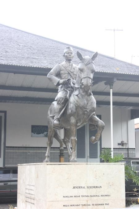 Patung Jenderal Sudirman