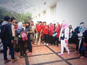 Kumpul bersama di Jalan Cikapundung Timur