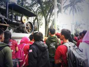 Peserta kegiatan di Titik Nol Bandung