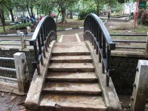 Jembatan di Cikapayang