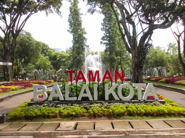 Tanda Taman Balai Kota (Foto: Irfan Teguh Pribadi)