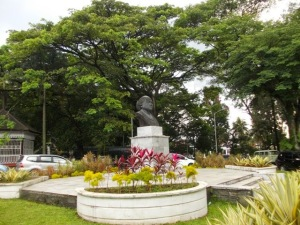 Patung Raden Dewi sartika