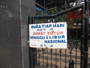 Jam Buka Taman Lalu Lintas (Foto: Irfan Teguh Pribadi)