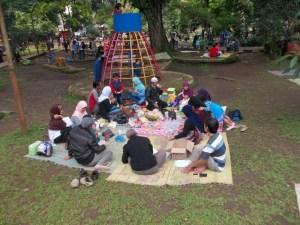 Ngabotram di Taman Lalu Lintas (Foto: Irfan Teguh Pribadi)