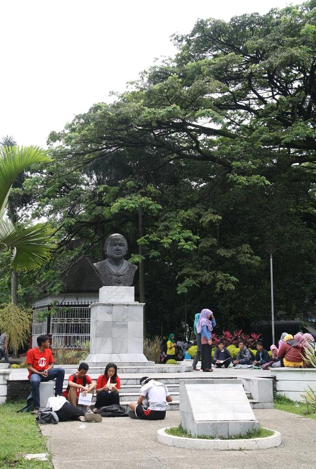 Patung Dada Dewi Sartika (Foto: Arya Vidya Utama)