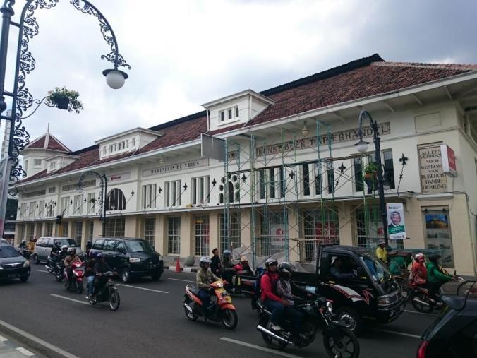 Bangunan De Vries