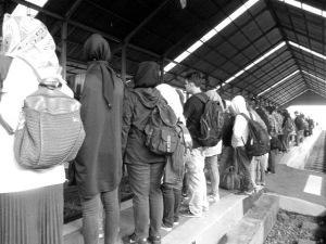 Megat kareta di stasiun Kircon