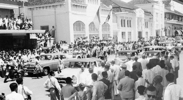 Keramaian Penyambutan Konferensi Asia-Afrika 1955 (foto: berdikarionline.com)