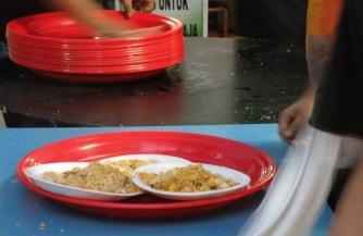 Nasi Briyani Siap Dibagikan