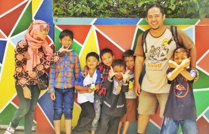 Anak-anak Kampung Manteos (dok: Komunitas Aleut)
