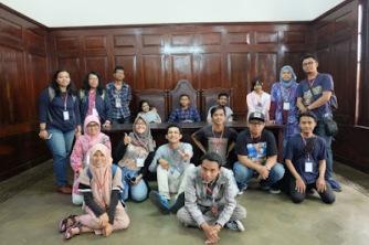 Aku, Bung Karno, dan Bandung 13