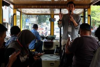 Tegar pemandu Ngabandros Jejak Sukarno di Bandung | © Fan_fin