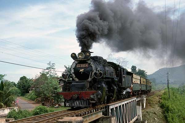 CC50 (Sumber: world-railways.co.uk)