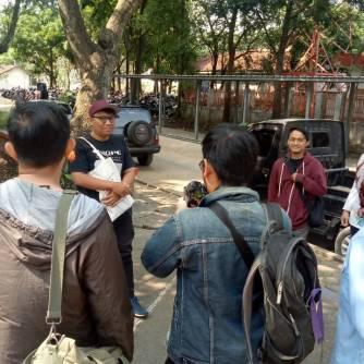 Peserta ngaleut kumpul di taman depan Stasiun Cimahi (Dokumentasi komunitas Aleut)