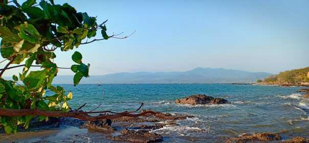 1. Pantai Loji