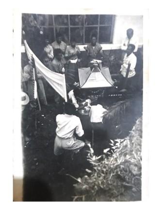 Pikulan atau jempana yang dibawa pada saat arak-arakan (Foto: Keluarga Max Salhuteru)